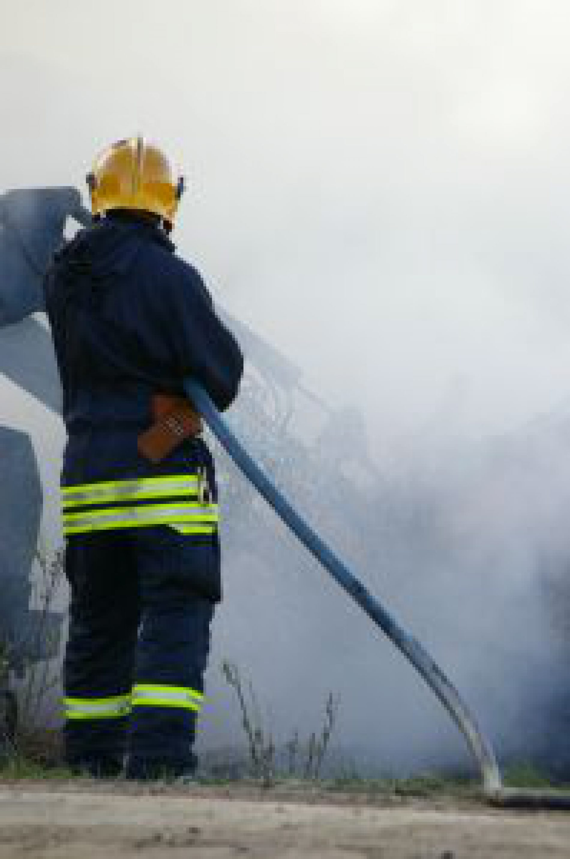 Kętrzyn: Pożar w mieszkaniu, w którym pijana matka opiekowała się trojgiem dzieci