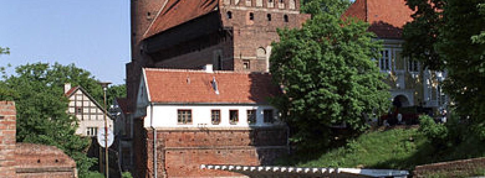Izba celna przekazała dwie ikony do Muzeum Warmii i Mazur