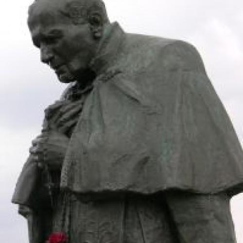 Jan Paweł II został ogłoszony świętym