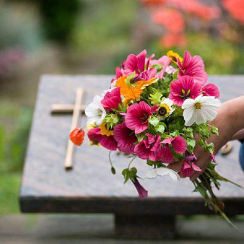 Olsztynianie przekazali 16 tys. na ratowanie zabytkowych cmentarzy